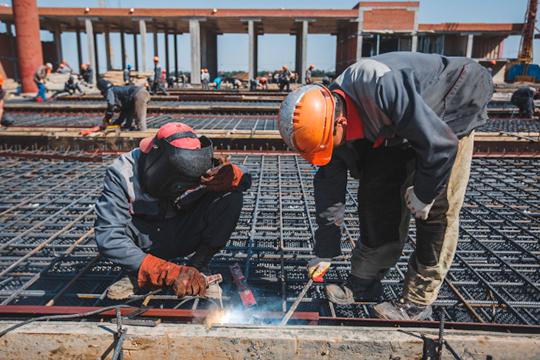 Одна изсамых востребованных отраслей— строительство, тамже — самые высокие зарплаты