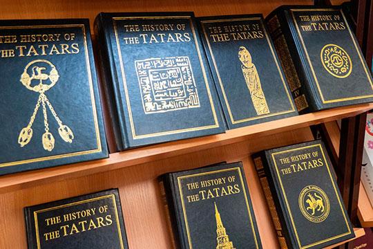 Лишь совторой половины XIХ века отдельные представители образованных татар стали систематически собирать иизучать памятники прошлого