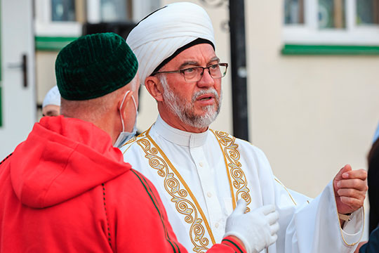 Гает-намаз провел сам имам-хатыйб Мансур Джалялетдин, что также случается не так часто