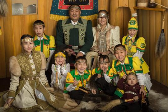 Пословам Кулаковской, на якутском сегодня разговаривает 450 тысяч человек. Статус языка, согласно классификации ЮНЕСКО, является уязвимым