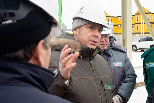 Бывший гендиректор «ТАИФ-НК» Александр Бабынин был категорически против выбора в пользу VCC и в 2011 году покинул «ТАИФ», не желая участвовать в проекте