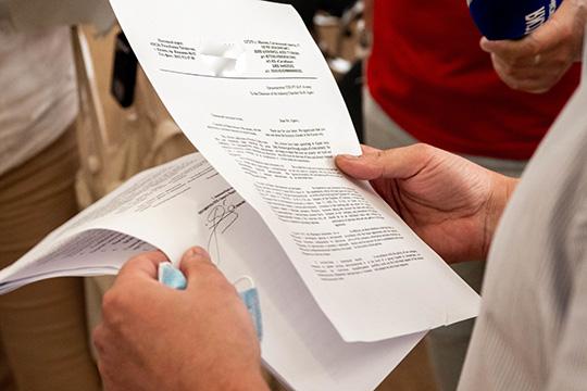 Пословам тренера иветеринарашколыТамары Власьевой, после письма родителей было написано еще одно коллективное письмо, ноуже отлица четырех тренеров