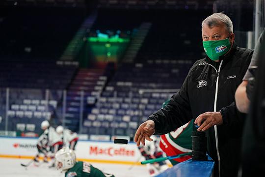 Понашим данным, игроки, тренеры иперсонал «АкБарса» проходят тесты накоронавирус каждые тридня. Сейчас вкоманде нет заболевших игроков