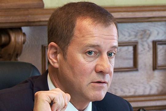 Юрий Глазов может пойти на серьезное повышение. Как оказалось, 29 июля он подал заявку на вакантную должность заместителя председателя Верховного суда России