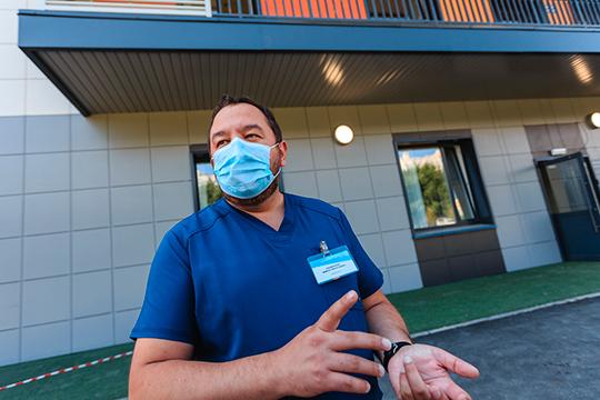 «Спрашивают: «Агде будут стоять шезлонги?!»: «БИЗНЕС Online» побывал вновой инфекционке