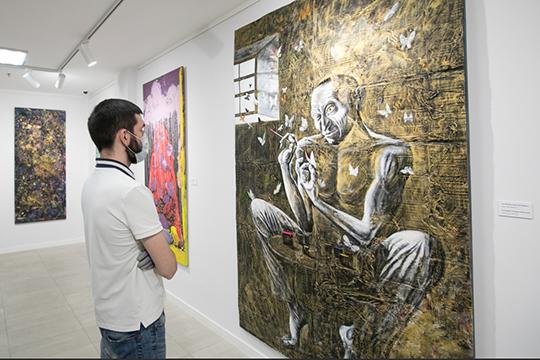 Альберт Закиров: «На моей одноименной картине изображены два ящера, но по сути, он один — он поедает свое отражение. Но при этом он поедает не только себя, но и других»