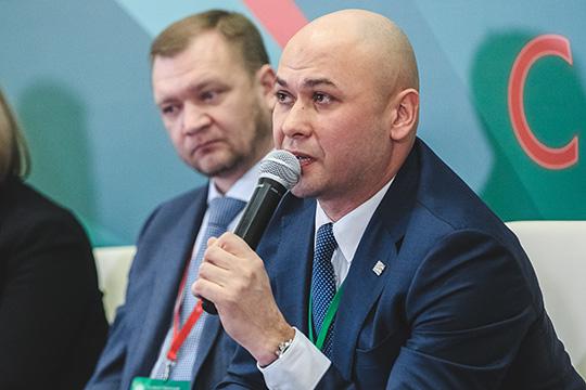 Впрошлом годуДелюс Сиразетдиновзаработал 36,3млн рублей, его жена (экс-управляющая «Мегой»ЛианаСиразетдинова)— 6,5 миллиона. Годом ранее ихсовместный доход составлял 36,4млн рублей