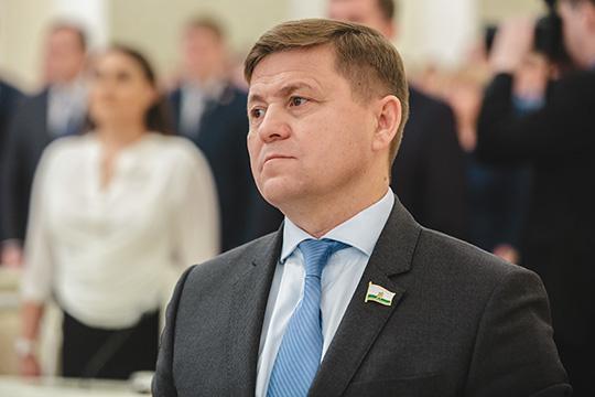 Руслан Минабутдинов, директор стадиона «Трудовые резервы», заработал всего 700тыс. загод,всобственности только одна квартира
