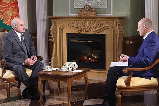 Два с половиной часа длилось интервью Александра Лукашенкоукраинскому журналисту Дмитрию Гордону, в котором президент Беларусидовольно подробно охарактеризовал руководителей России иУкраины