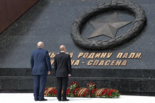 «Я считаю Владимира Владимировича своим старшим братом. Искренне считаю своим братом старшим. Но старший брат всегда должен младшего поддерживать. У нас в деревне было всегда так»