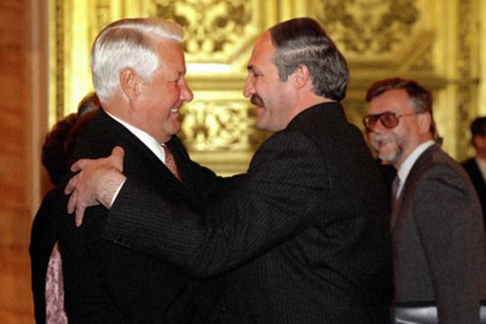 «Я понимаю, почему Ельцин выбрал в преемники именно Путина, но об этом говорить не буду. Конечно, Ельцин рассчитывал, что Путин будет бегать к нему и все время советоваться по тому или иному вопросу»