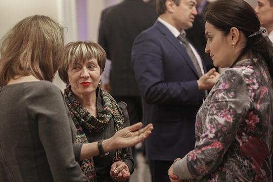 Первый вызов перед Мадиной Фатыховной уже обозначился — ей придется налаживать контакты с татарской интеллигенцией, которая пока что ее в силу ряда причин не воспринимает