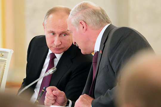 «Если Лукашенко считает Путина старшим братом, почему он сразу не позвонил ему: «Здравствуй, это звонит младший брат, тут случилась непонятная ситуация, давай вместе в ней разберемся»