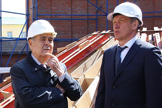 Знаковые объекты сдает в этом году «Евростройхолдинг+» Владимира Казилова (№17) — в прошлом году ему вручили бетонный кубок лучшего строителя РТ