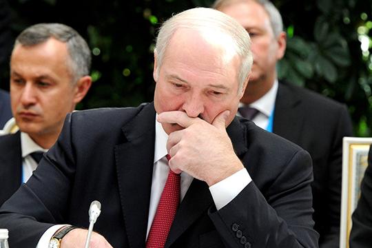 Александр Лукашенко все-таки решил впервые прокомментировать случившееся накануне беспорядки и назвал некоторые страны «куколоводами»