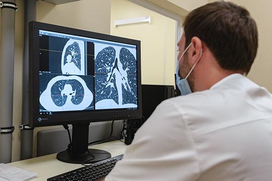 «Осложнения от гриппа и коронавируса ожидаются примерно одинаковые — они связаны с заболеванием легких»