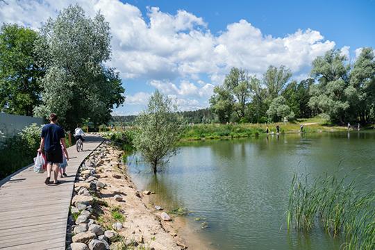«Озеро Большое Лебяжье сегодня — достаточно популярное место отдыха, там дно с прекрасным речным песком, есть все условия для купания»