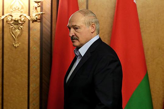 «США и страны ЕС давят на Лукашенко, призывая отказаться от поддержки России», — пишут авторы канала «Кремлевский безбашенник», отмечая, что Россия тоже давит на Лукашенко, призывая ускорить процессы интеграции