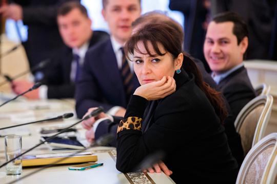 Самый реальный пока претендент— Лейла Фазлеева, которая, возглавив минобрнауки, сохранит засобой идолжность вице-премьера посоциальным вопросам