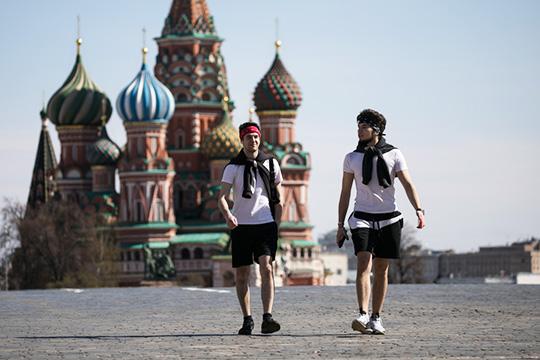 Сейчас уже разобрались: ничего страшного непроисходит. Возьмем Москву, где более 30% москвичей имеют антитела, тоесть так или иначе свирусом встретились. Значит, это четыре миллиона человек…