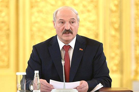 Он [Лукашенко] всю свою политическую биографию был популистом, старался опираться наширокие слои населения. Азапоследние несколько лет превратился влидера бюрократов исиловиков