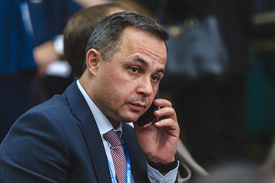 Рафаэль Шавалиев — главный врач ГАУЗ «Республиканская клиническая больница МЗ РТ» — идет и по списку от «Единой России», и по Гарифьяновскому округу №17 заработал примерно 2,2 млн рублей