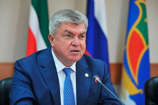 «Полномочий нет даже у мэра!», — возмущался Наиль Магдеев на августовском заседании горсовета