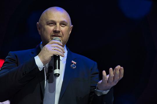 Виктор Степанцов рассказал нашему изданию, что сезон планируется открыть лишь в сентябре — 3-го числа пройдет первый спектакль, а 6-го — торжественная программа к официальному открытию 11-го сезона театра на Булаке
