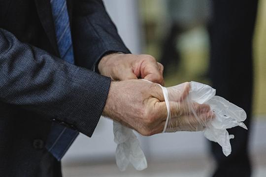 Вишенкой на торте стало заявление президента РТ об отмене обязательного перчаточного режима