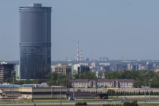 Стеклянный фасад, однако, заметно дороже других систем, и в Казани, если говорить о жилье, он применяется только на объектах бизнес-класса. Стекло мы видим в башне «Лазурные небеса»