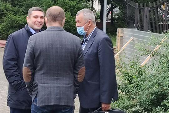 После почти года расследования уголовное дело в отношении главного бухгалтера татарстанского управления Россельхознадзора по РТ Эрика Ахметова (слева) ушло в суд