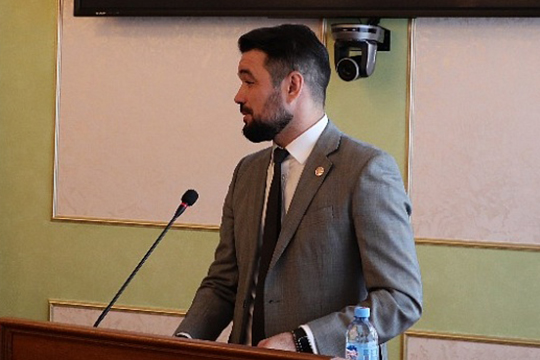 Одно из требований собравшихся — отставка председателя совета директоров «Башинформа» Ростислава Мурзагулова, который отвечает за информационную политику в республике