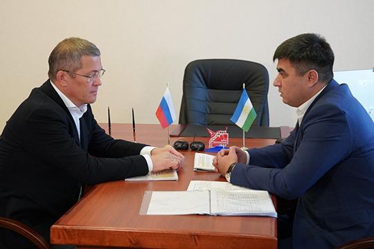 Заговорив про отставку Мурзагулова, собравшиеся подняли вопрос правомерности действий главы Ишимбайского района Азамата Абдрахманова