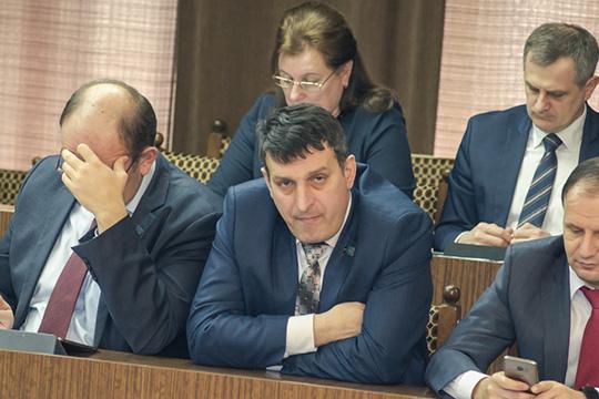 По 17-му округу «Тулпар» идет замдиректора по персоналу Автомобильного завода ПАО «КАМАЗ» Виктор Поляков