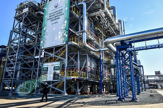 Основные производственные издержки КОСа снизились только на 9%, или 2,2 млрд, до 23,4 млрд рублей. В итоге валовая прибыль завода просела на 46% до 7,9 млрд