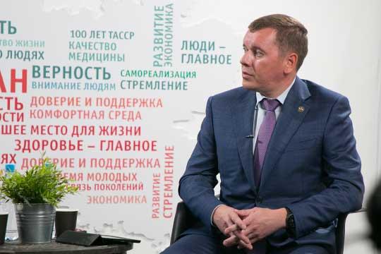 Вэфире проекта #ТатарстанОнлайн побывал сегодня министр сельского хозяйства ипродовольствия РТМарат Зяббаров