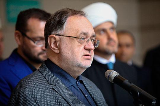 Вячеслав Полосин, принявший имя Али, регулярно выступает в печати со статьями, критикующими христианство и риторически защищающими ислам
