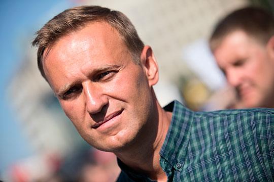 Год назад Навальный попал в больницу из спецприемника в Москве, где отбывал административный арест за призыв к массовой акции в поддержку независимых кандидатов в Мосгордуму