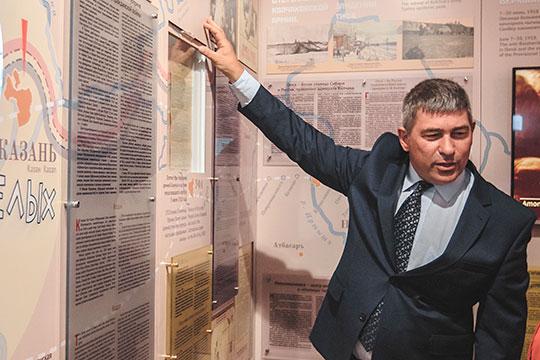Директор музея-заповедника «Остров-град «Свияжск» Артем Силкин, судя по декларации, в 2019 году обзавелся 3 участками и 4 объектами индивидуального жилого строительства, а также автомобилем Mercedes 126