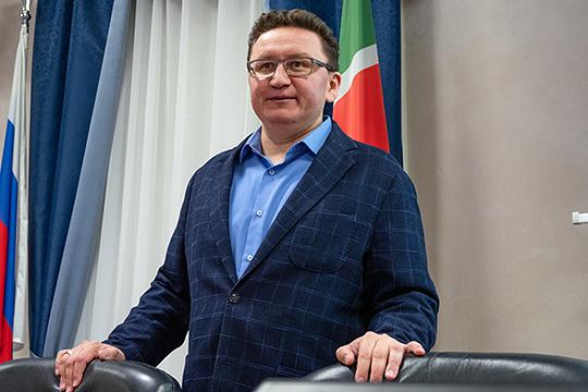 Новичок списка — директор казанского цирка Рамиль Шарифуллин, который возглавил площадку только в марте прошлого года. За это время он успел заработать 1,6 млн рублей