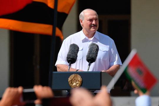 «Людям кажется, надо что-то поменять. Потом они, как у нас сегодня ностальгируют по Брежневу, будут ностальгировать по Лукашенко»