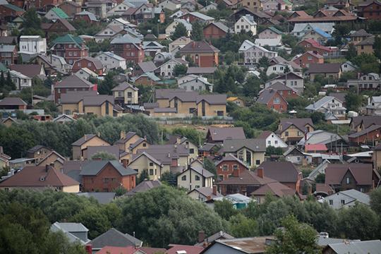 За июль продажи земли в Казани выросли вдвое, по РТ в 1,6 раза. Покупают преимущественно в кредит — за 7 месяцев число кредитных сделок с земельными участками выросло на 17,7% до 10,4 тысяч