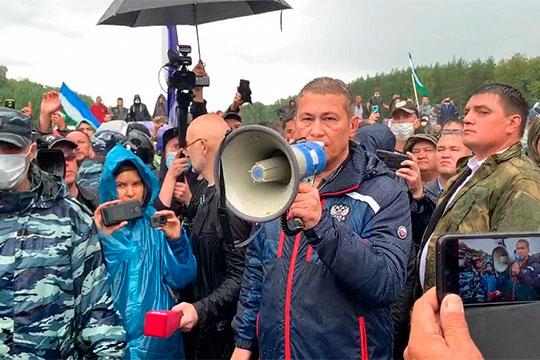 Радий Хабиров утратил лидерство в ПФО из-за того, что тот активно вмешался в крайне конфликтную ситуацию по вопросу добычи известняка в шихане Куштау