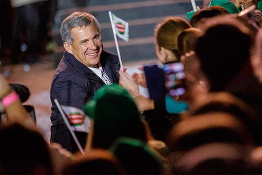 В рейтинге действующих глав регионов, так называемых инкумбентов, которым предстоят прямые выборы в 2020 году, авторы исследования называют фаворитом президента Татарстана Рустама Минниханова