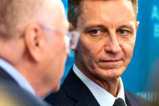 Ни Владимир Сипягин (на фото), ни Валентин Коновалов не встроены в какие-либо патронажные сети федеральных элит, что заранее предопределяет низкую степень их политической устойчивости