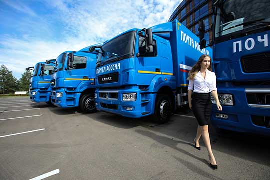 В Иннополисе состоялась торжественная церемония передачи «Почте России» 15 новых автомобилей «КАМАЗ»