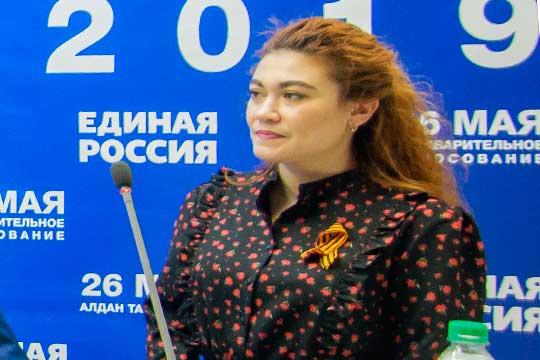 Напроходном месте директор центра лечебной педагогики «ЧудоДети»Ася Кислова