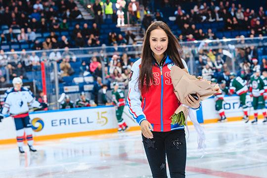 Последний раз Алина Загитова выходила на лёд в официальных соревнованиях ещё в декабре прошлого года, после чего объявила о приостановке карьеры