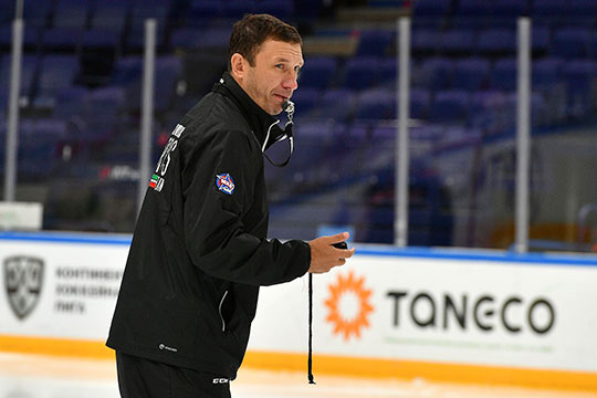 Как стало известно «БИЗНЕС Online», главный тренер «Ирбиса» Ильназ Загитов попросил руководство казанского клуба освободить его от занимаемой должности