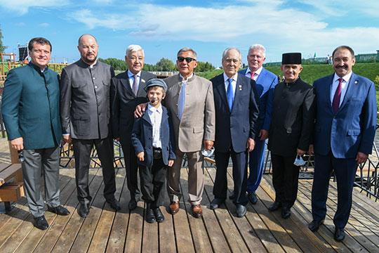 Сегодня на один день столица Татарстана практически переехала на 350 км на восток в небольшую деревню Аняково Актанышского района